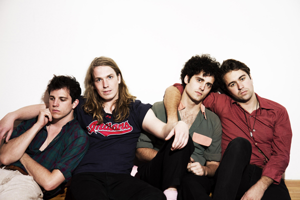 The_Vaccines_201101_A3_roger.jpg